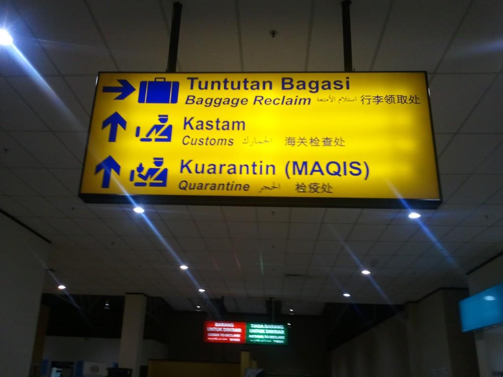 Yup, kita sudah sampai di Malaysia :p