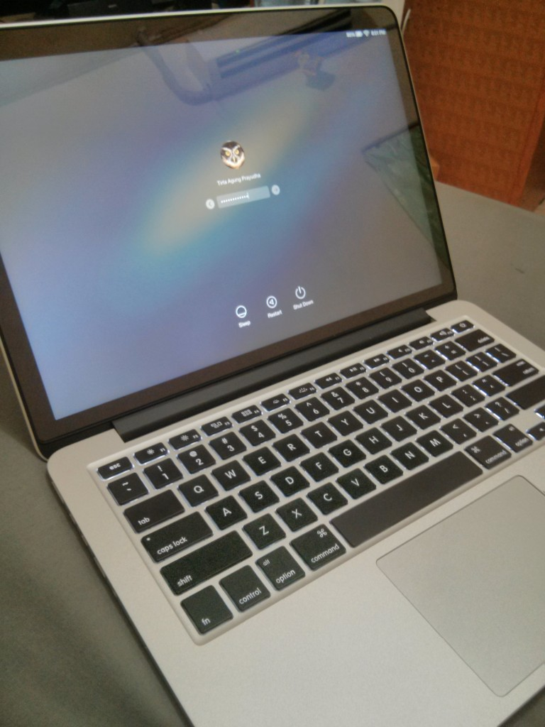 Laptop ini jahanam banget harganya ya.